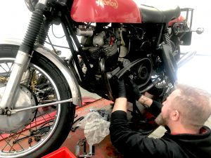 Once the Norton was in the workshop, Daniel was able to assess the issues. We were tasked with replacing the clutch, in addition to the electronic components.