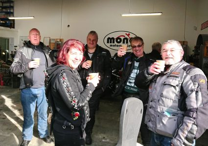 Many familiar faces, friends & supporters of mono motorcycles came & shared the morning with us. Such kind words of praise & encouragement were abound throughout the morning, which Daniel & Katy were truly humbled by.