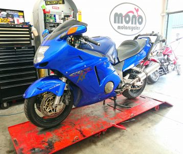 Once the workshop was 're-set', we set to work with a full valve clearance service on the immaculate Honda CBR1100 Super Blackbird.