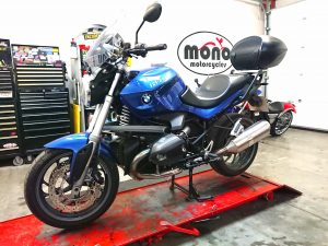 Tuesday we welcomed the BMWR1200R to the workshop for a full service & an MOT. She sailed through the MOT & is now road ready for at least another year.