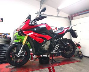 The second of our performance BMW's joined us on Friday. The scarlet red BMWS1000XR joined us for a major service & full diagnostic sweep.