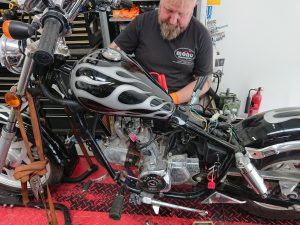 We welcomed a Kinroad 50cc chopper for running issues, servicing & a thorough check over