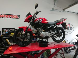 Friday morning & first up on the ramp was an extremely tidy Yamaha YBR125.