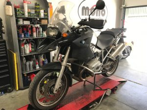 The BMW1200GS joined us for a replacement rear tyre, brake bleed & interim service.