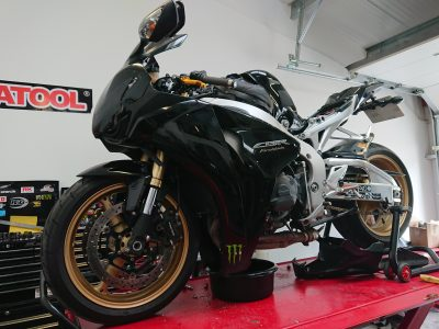 Later in the day, we welcomed Black Honda CBR1000 Fireblade. The Fireblade joined us for a full service.