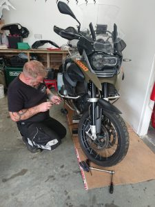 The front shock for the BMWR1200GS which has been recommissioned by Firefox Racing Ltd, was returned & refitted in the mono motorcycles workshop
