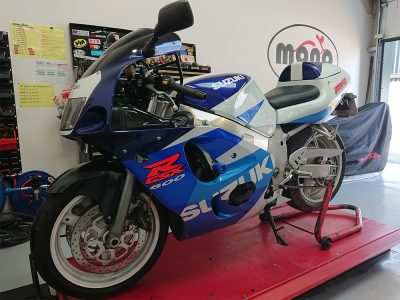 Wednesday morning we welcomed a very clean & well looked after Suzuki GSXR 600 SRAD. The SRAD joined us for major servicing.