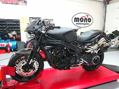 On Tuesday, we welcomed the simply stunning, concourse condition, 2009 Triumph Speed Triple 1050 Carbon Fibre Limited Edition