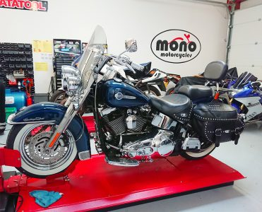 Friday morning we welcomed one of our regular customers Harley Davidson Heritage Softail to the workshop.