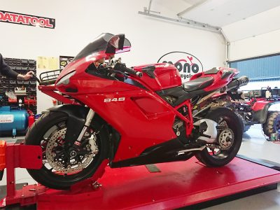 As Autumn began to turn & the nights began to draw in; we welcomed one of our more complex projects in the shape of a Ducati 848