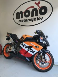On Wednesday we welcomed a Repsol Repsol CBR1000RR for full machine detailing & seasonal protection.