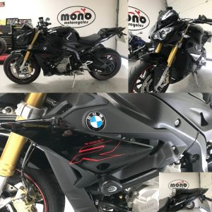 Friday morning, we welcomed the stunning black BMW S1000R to the mono motorcycles workshop for some new tyres.
