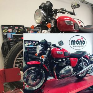 On Thursday we welcomed 'Scarlet' to the mono motorcycles workshop.