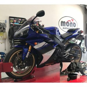 Friday, we welcomed an immaculate Yamaha R1 to the mono motorcycles workshop. The R1 joined us for an intermittent starting fault, which Daniel traced to a faulty battery & a 12k service.